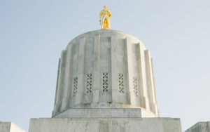 Picture of Oregon State Capitol building