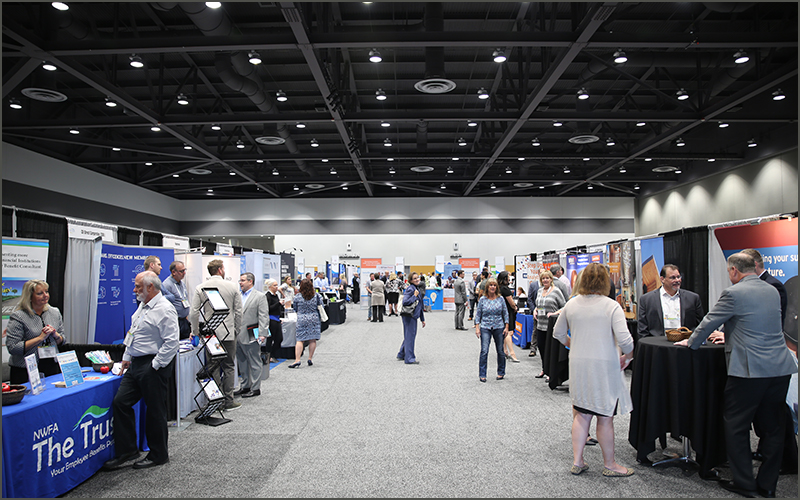 Trade Show Booth Exhibitors : Video strategic link exhibitor trade show booth registration open